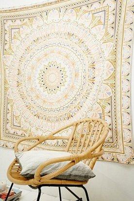 http://www.urbanoutfitters.com/fr/catalog/productdetail.jsp?id=5532290050100&category=HOME-FURNISHINGS-EU